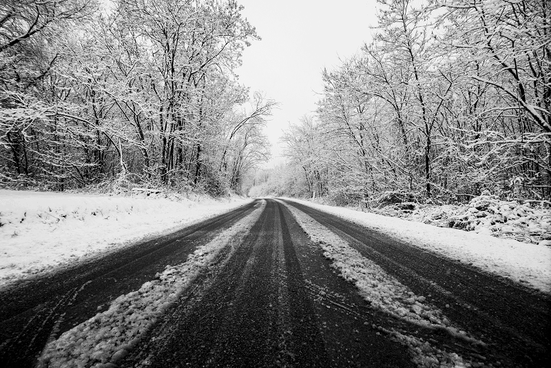 winter-road-with-snow-on-the-ground-travel